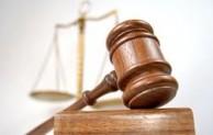 Perangkat Lembaga Peradilan Sesuai Hukum
