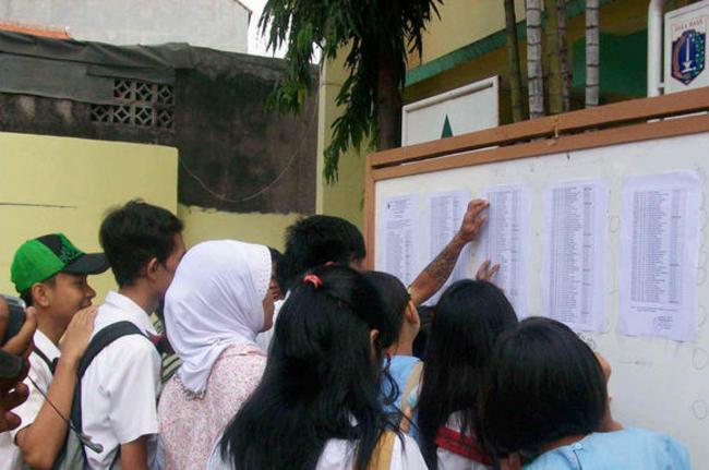 Peujian nasional,informasi ujian nasional,soal ujian tambah sulit,ujian nasional 2014