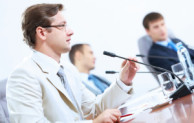 Perbedaan teknik bertanya dalam rapat