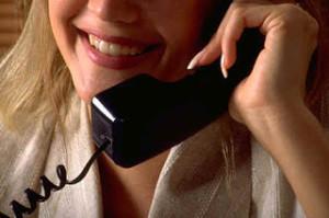 menjawab-telepon